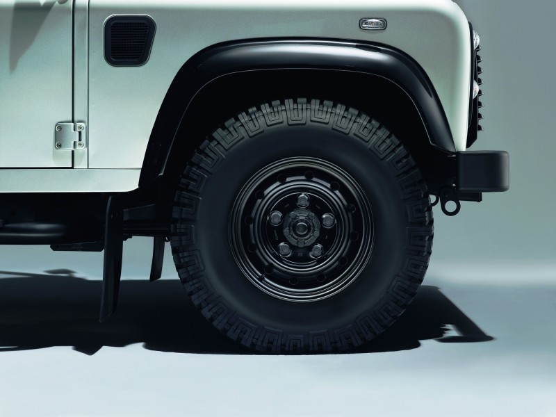 Land Rover Honors 2015 Defender Retirement with Trio of Special Editions 4
