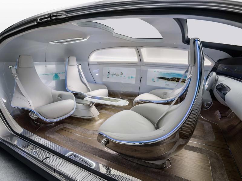 Mercedes-Benz F 015 Concept 11