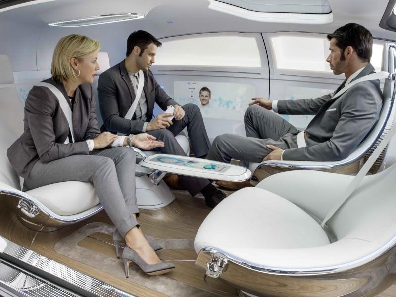 Mercedes-Benz F 015 Concept 13