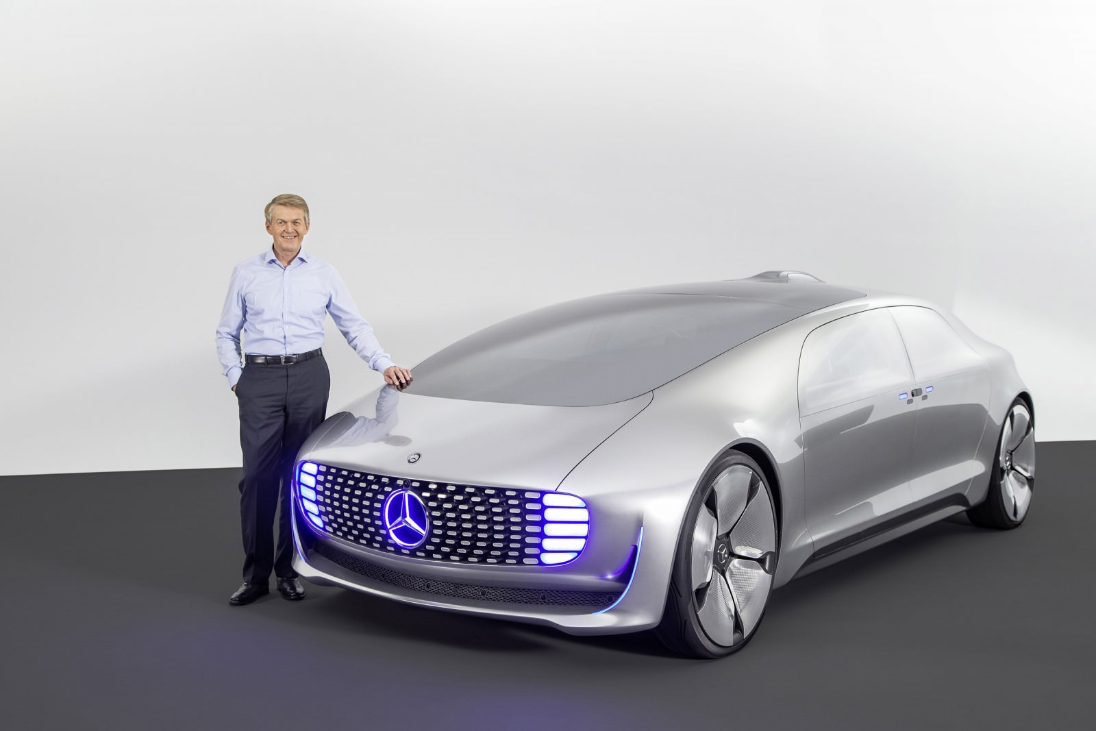 Mercedes benz f015 for Mercedes benz f
