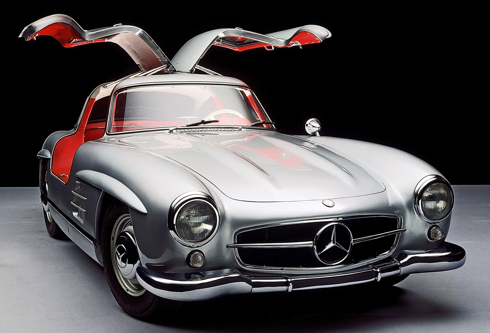 Mercedes benz gullwing supercar evolution for Mercedes benz cars images