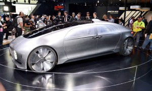 NAIAS 2015 Showfloor Gallery - Day Two in 175 Photos 12
