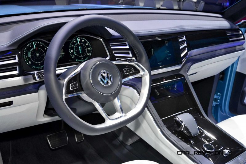 NAIAS 2015 Showfloor Gallery - Day Two in 175 Photos 20