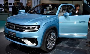 NAIAS 2015 Showfloor Gallery - Day Two in 175 Photos 21