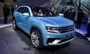 NAIAS 2015 Showfloor Gallery - Day Two in 175 Photos 22