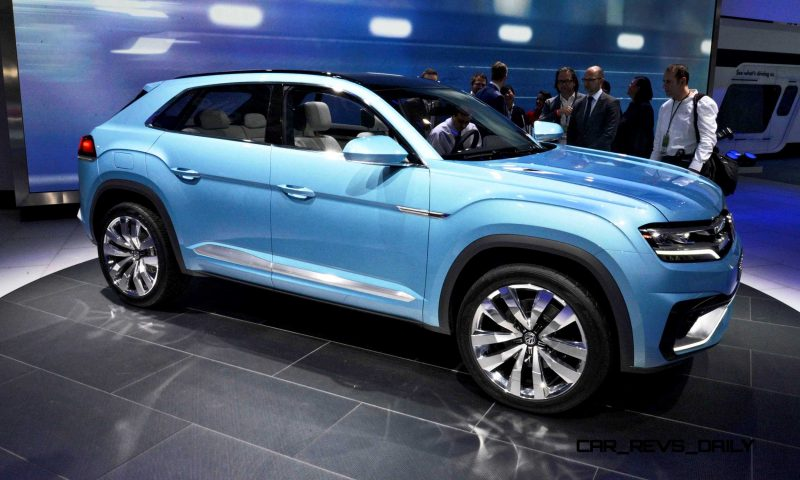 NAIAS 2015 Showfloor Gallery - Day Two in 175 Photos 23