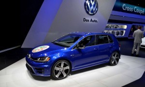 NAIAS 2015 Showfloor Gallery - Day Two in 175 Photos 31