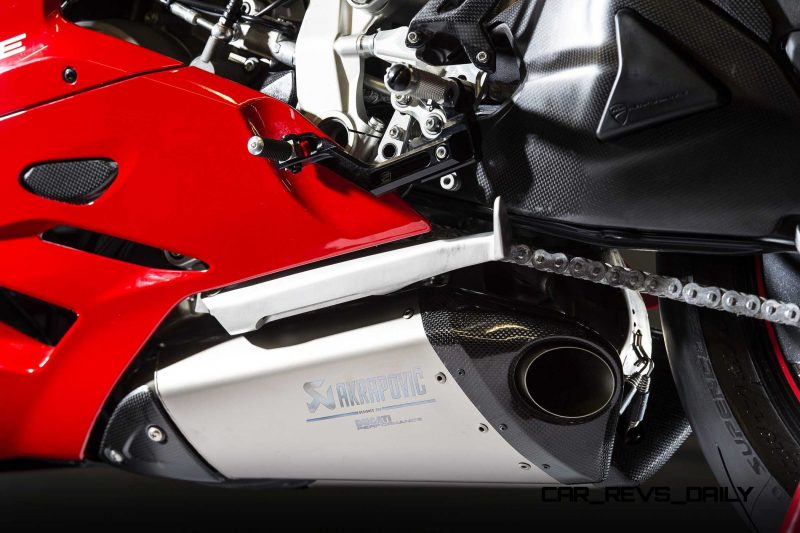 135-1299PanigaleS_accessoriesed_19