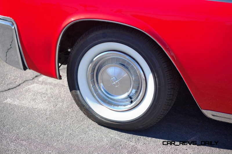 1961 Lincoln Continental Convertible 24