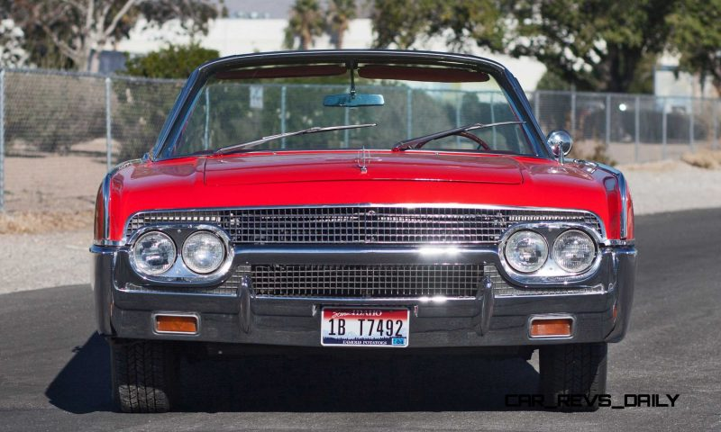 1961 Lincoln Continental Convertible 25