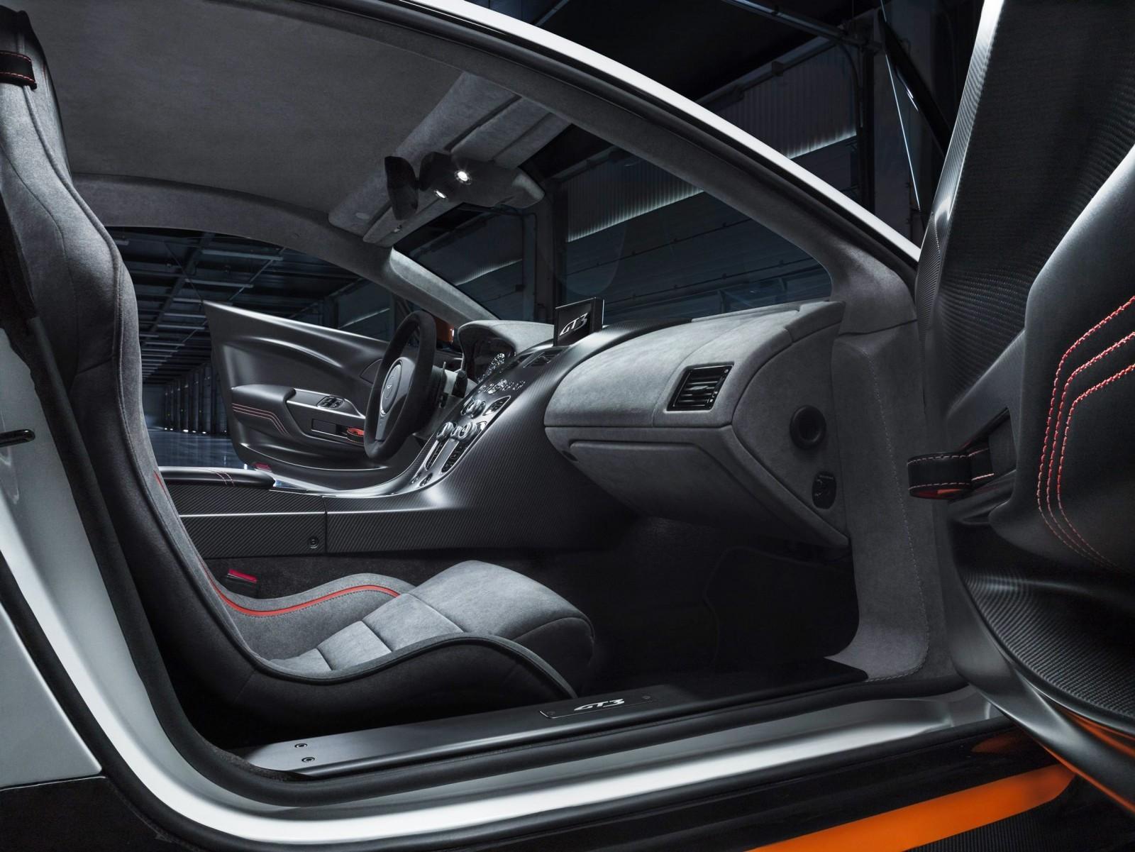 2015 Aston Martin VANTAGE GT3 13