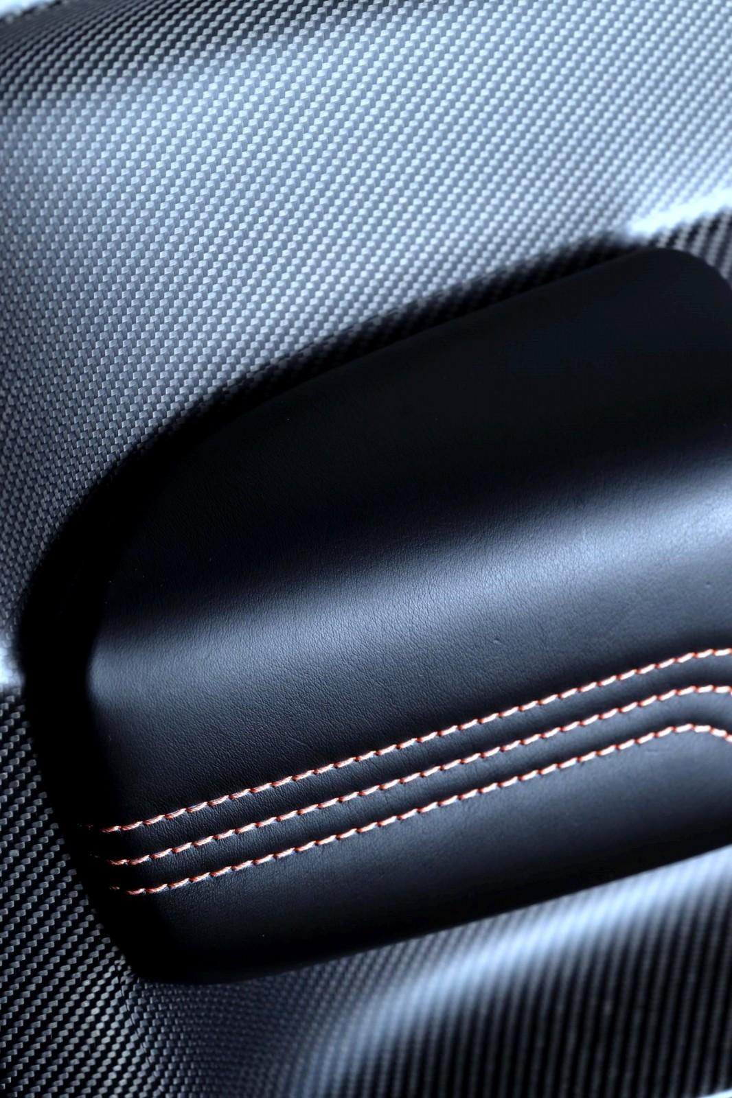 2015 Aston Martin VANTAGE GT3 23