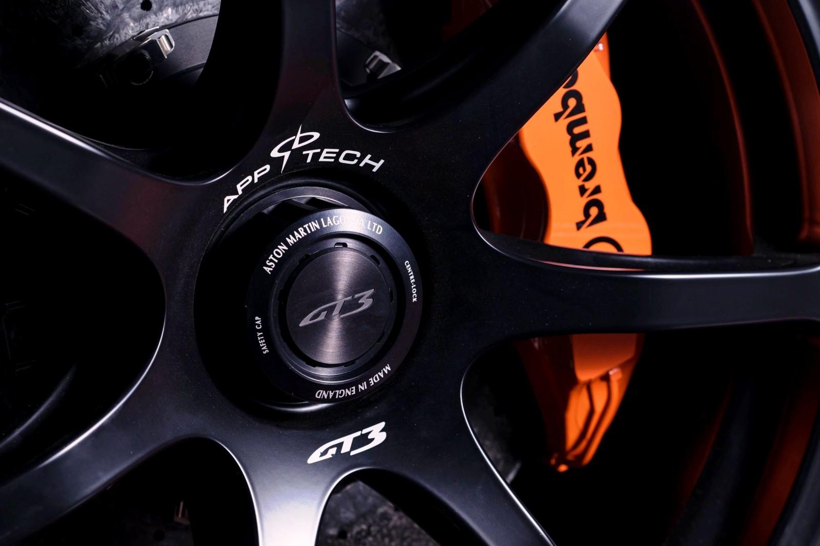 2015 Aston Martin VANTAGE GT3 28