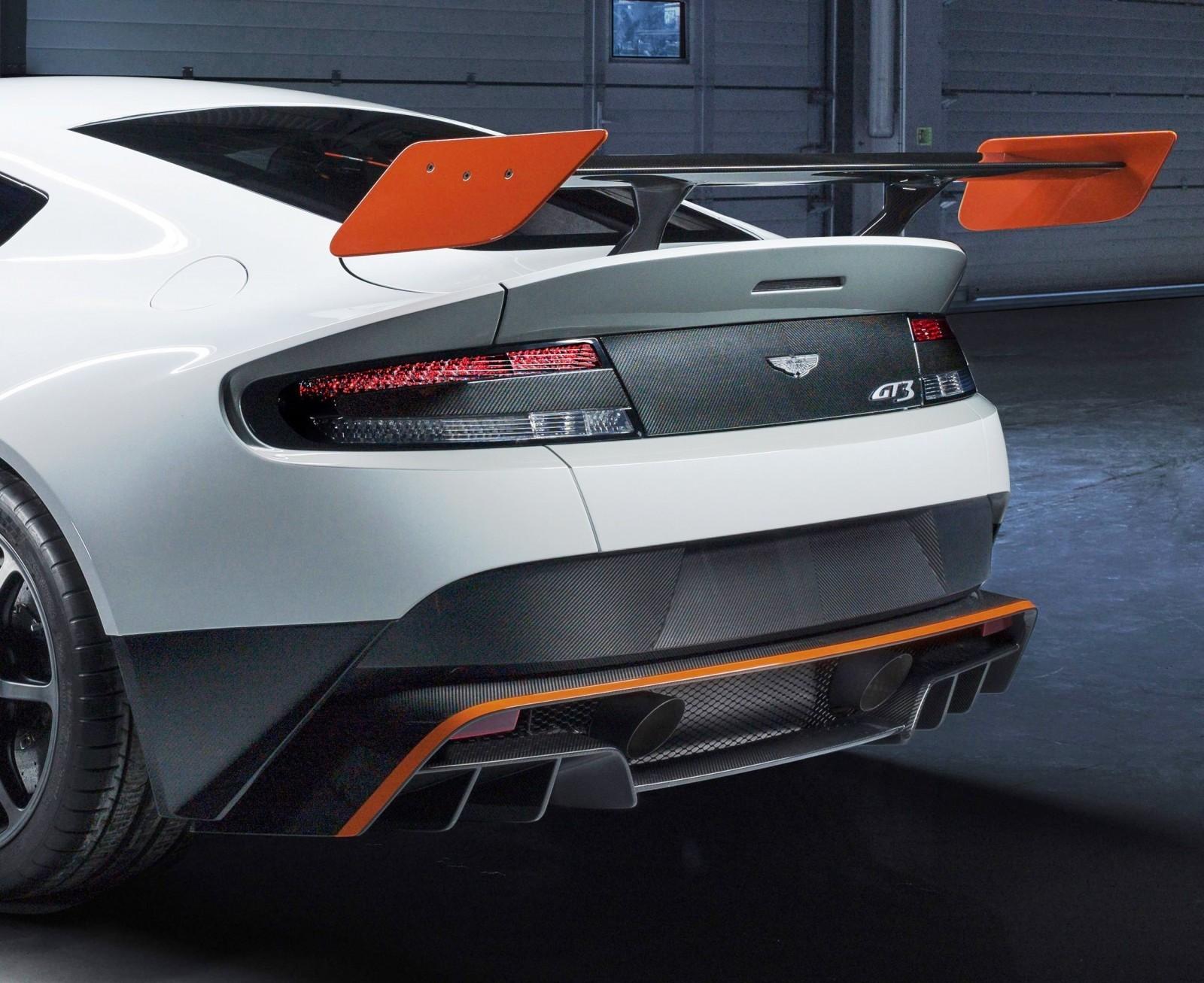 2015 Aston Martin VANTAGE GT3 7