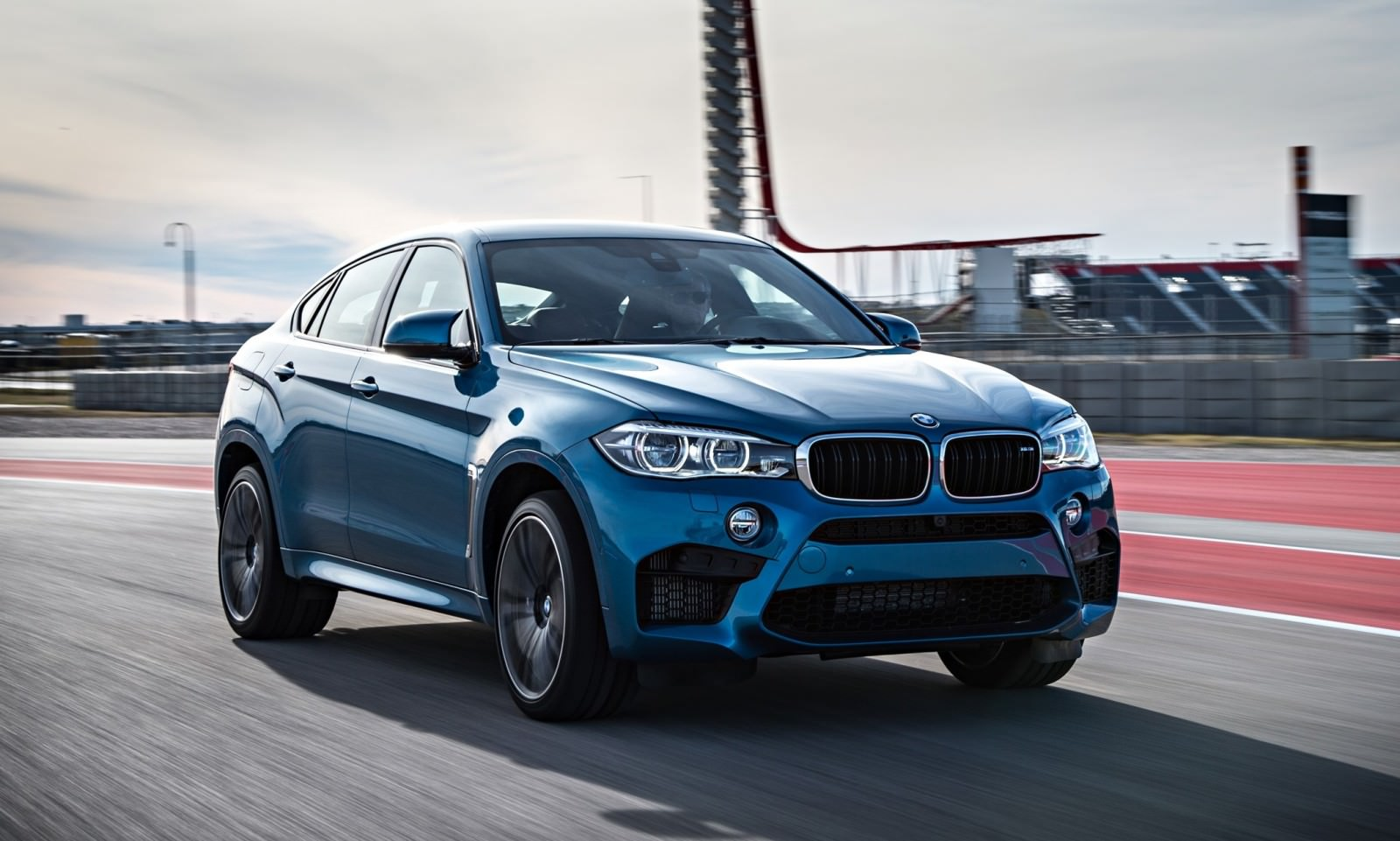 2015 BMW X6 M 68