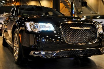 2015-Chrysler-300C-Houston-Auto-Show-Gallery-11-1600x959