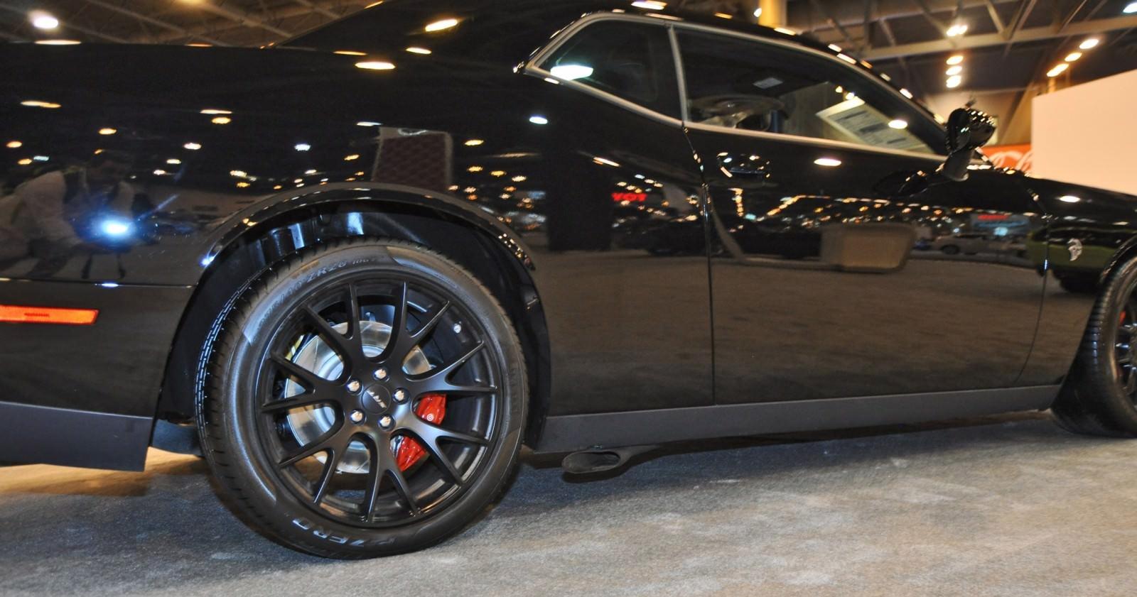 2015 Dodge Challenger SRT Hellcat 22