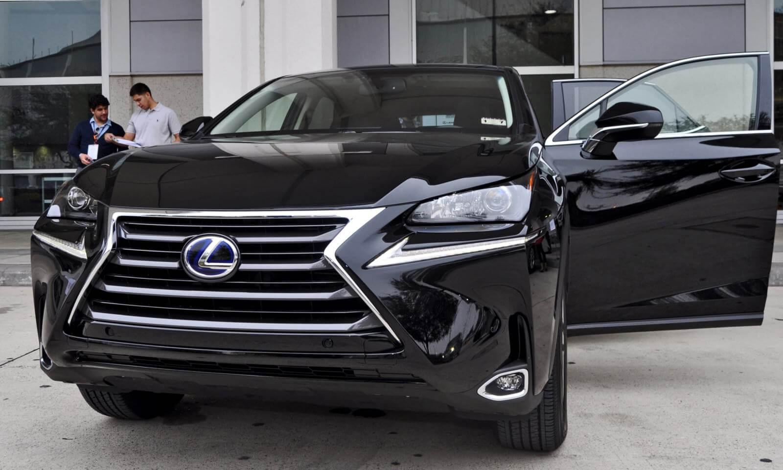 2015 Lexus NX300h 33