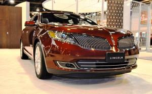 2015 Lincoln MKS 7