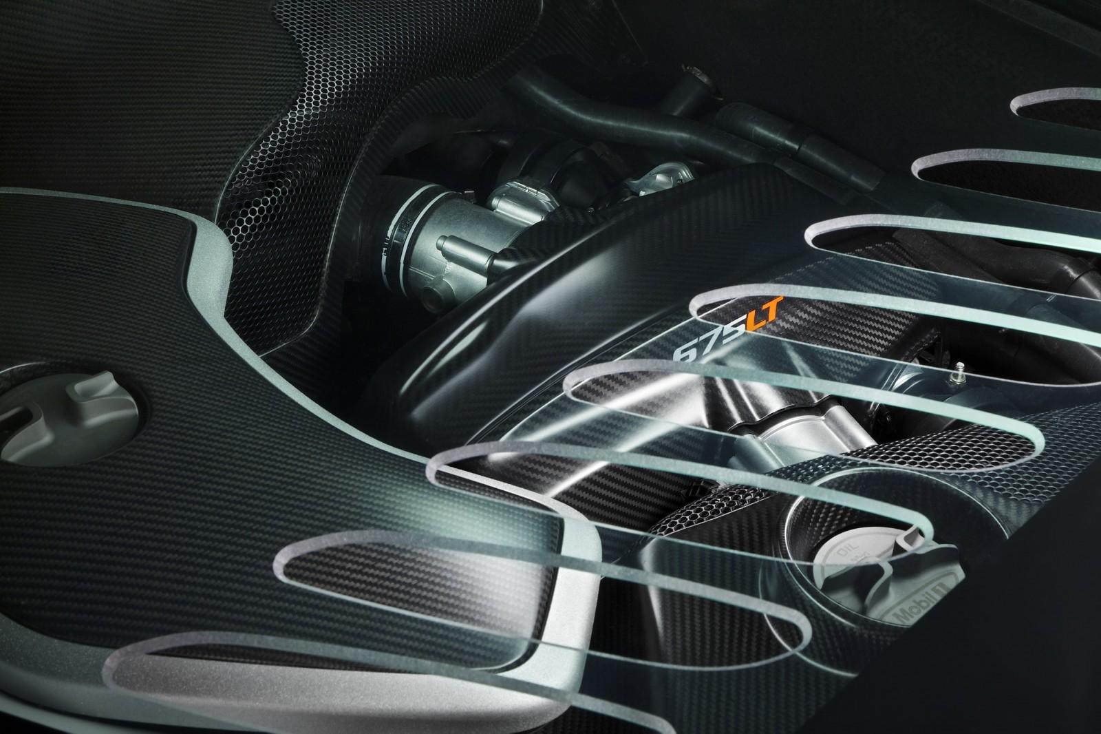 2015 McLaren 675LT 24