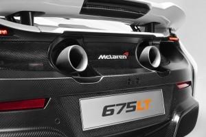 2015 McLaren 675LT 26
