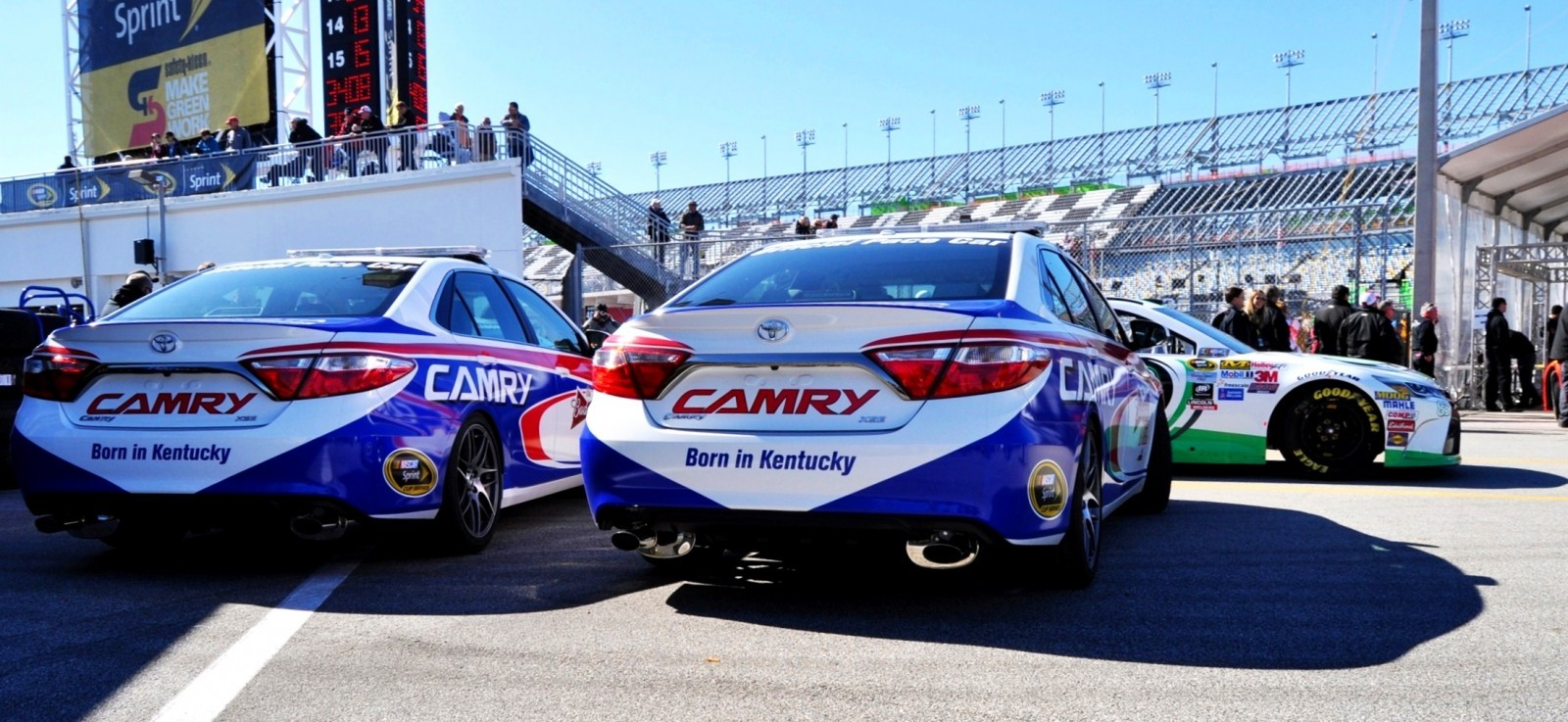 2015 Toyota Camry - DAYTONA 500 Official Pace Car 14