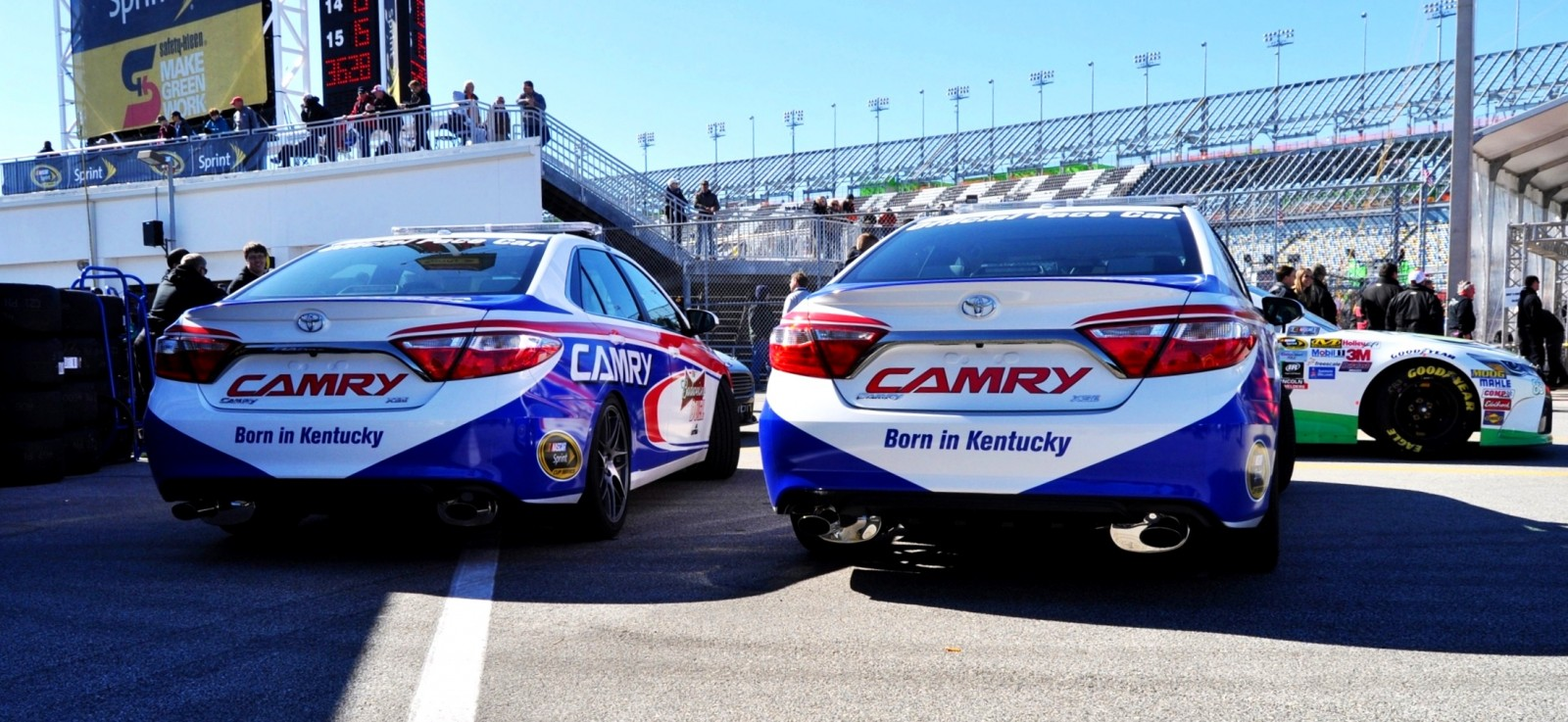 2015 Toyota Camry - DAYTONA 500 Official Pace Car 15