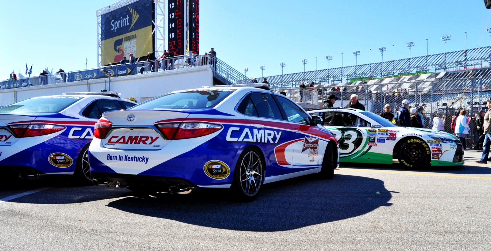 2015 Toyota Camry - DAYTONA 500 Official Pace Car 19