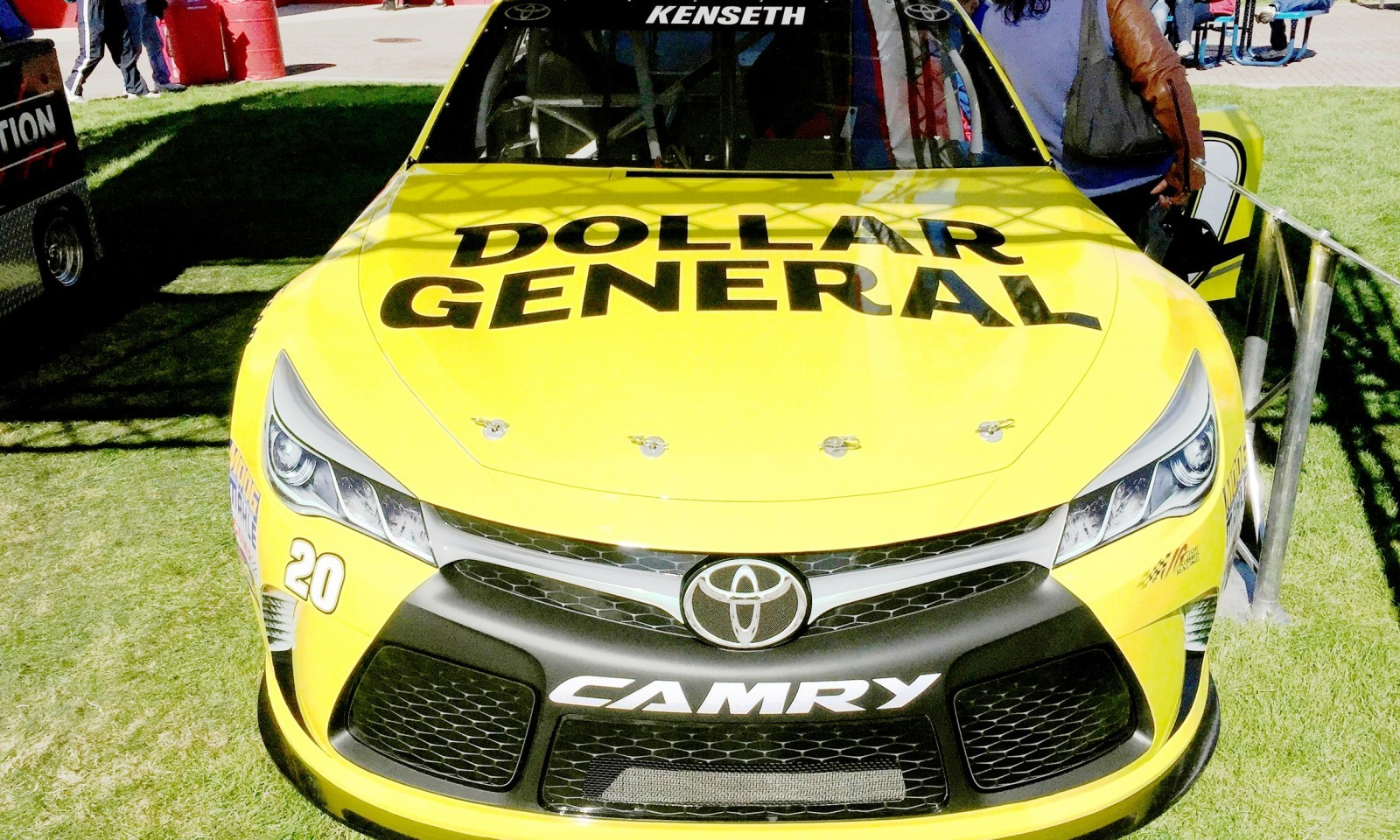 2015 Toyota Camry NASCAR Dollar General 11