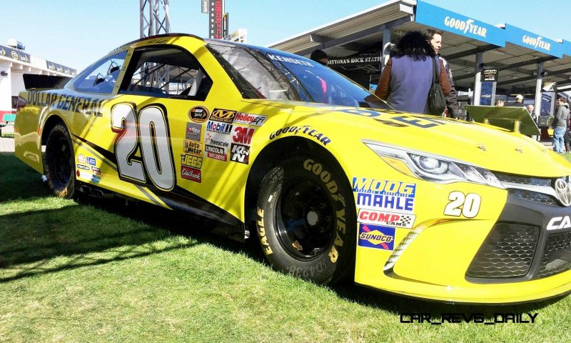 2015 Toyota Camry NASCAR Dollar General 12