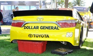 2015 Toyota Camry NASCAR Dollar General 13