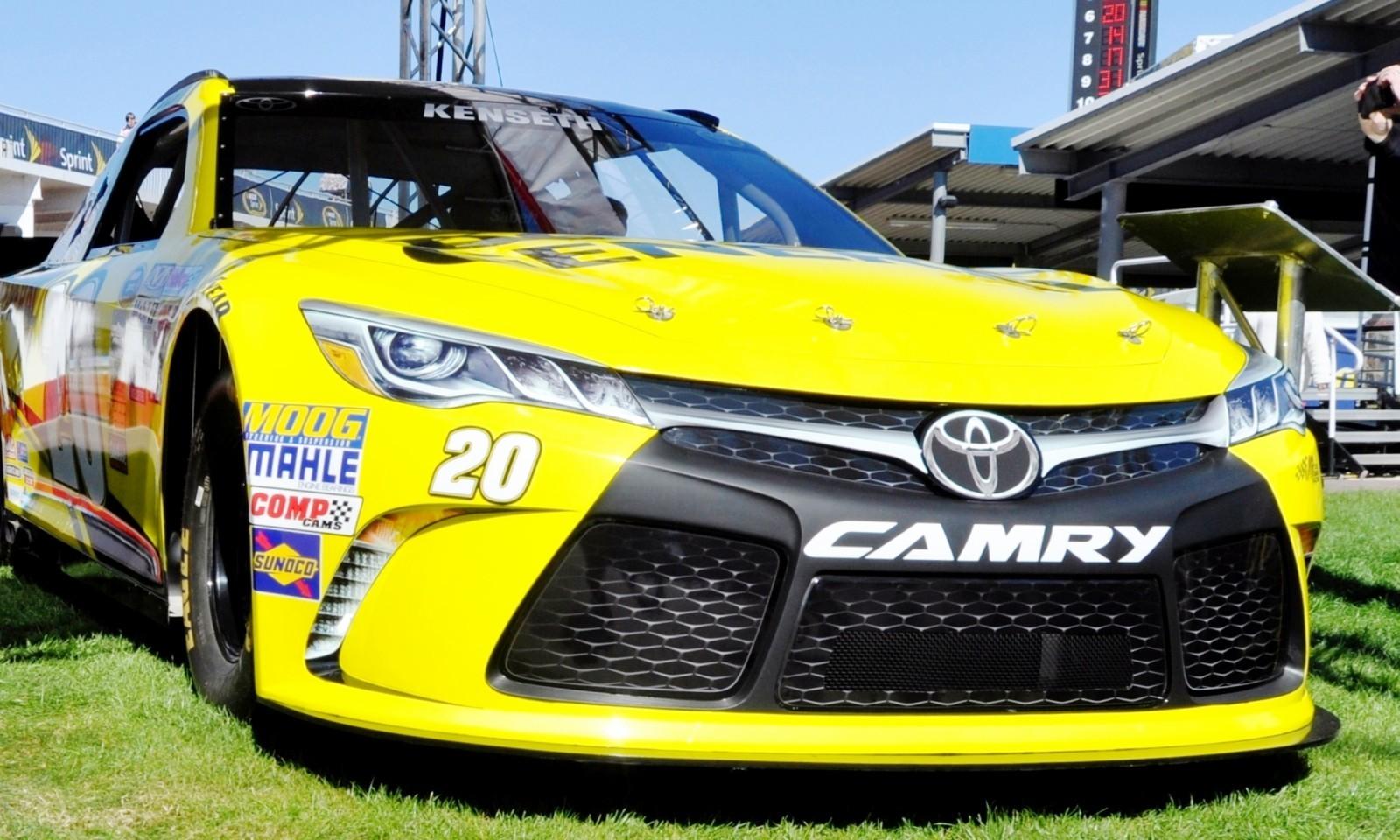 2015 Toyota Camry NASCAR Dollar General 19
