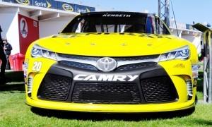 2015 Toyota Camry NASCAR Dollar General 23