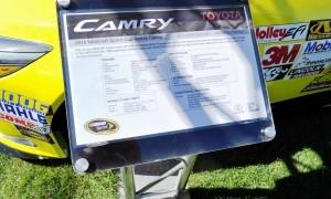 2015 Toyota Camry NASCAR Dollar General 31