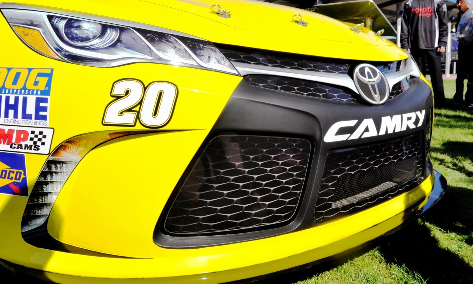 2015 Toyota Camry NASCAR Dollar General 32
