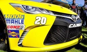 2015 Toyota Camry NASCAR Dollar General 34