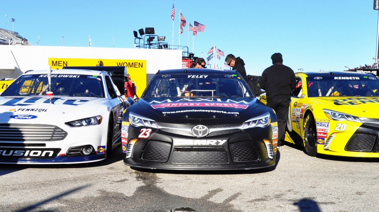 2015 Toyota Camry NASCAR Dollar General 62