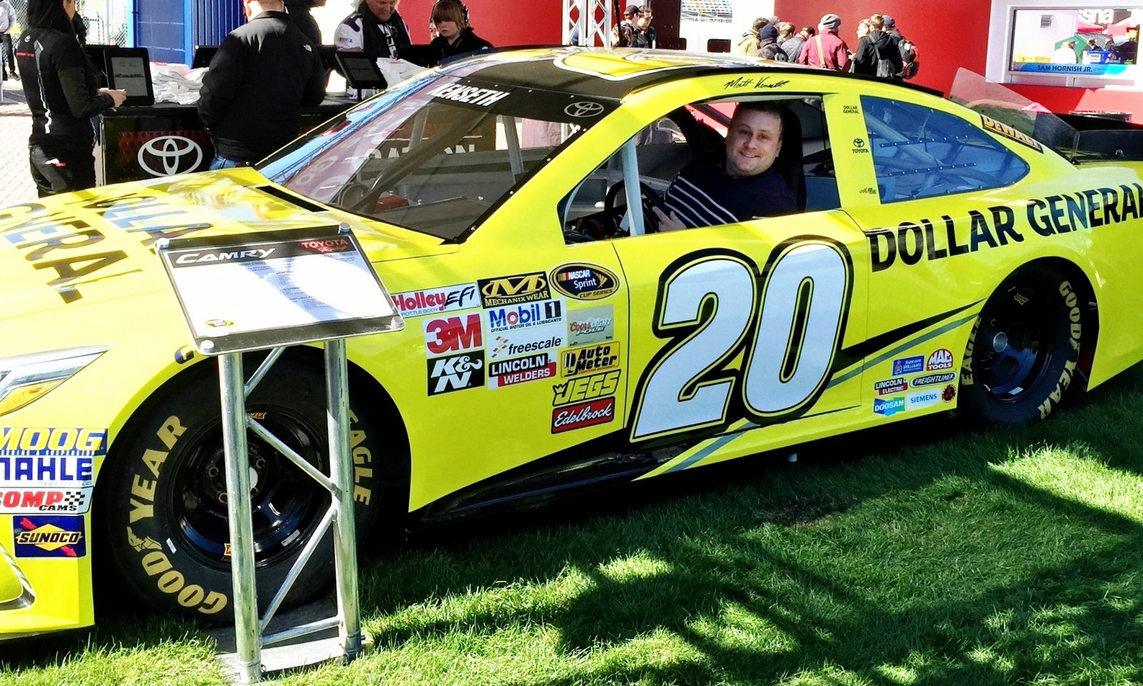2015 Toyota Camry NASCAR Dollar General 7