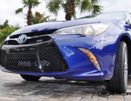MEGA Road Test Review – 2015 Toyota Camry SE Hybrid