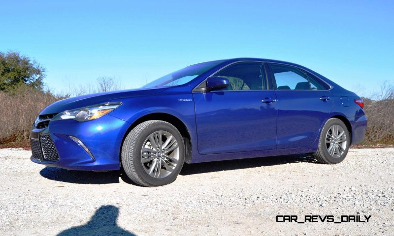 2015 Toyota Camry SE Hybrid Review 20