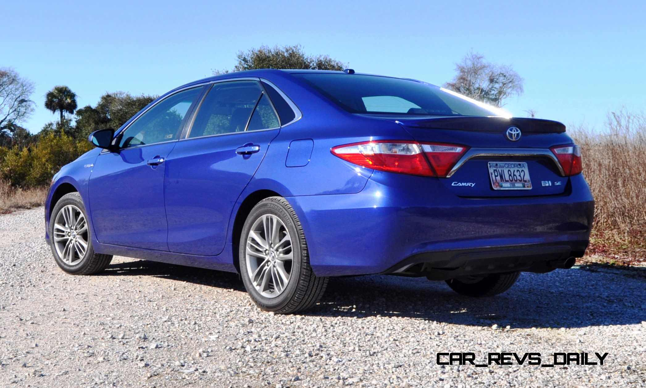 2015 toyota camry se hybrid review. Black Bedroom Furniture Sets. Home Design Ideas