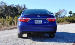 2015 Toyota Camry SE Hybrid Review 38