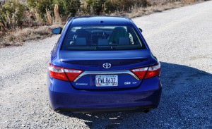 2015 Toyota Camry SE Hybrid Review 41