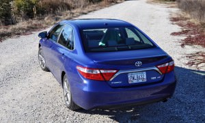 2015 Toyota Camry SE Hybrid Review 44