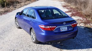 2015 Toyota Camry SE Hybrid Review 45