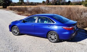 2015 Toyota Camry SE Hybrid Review 49