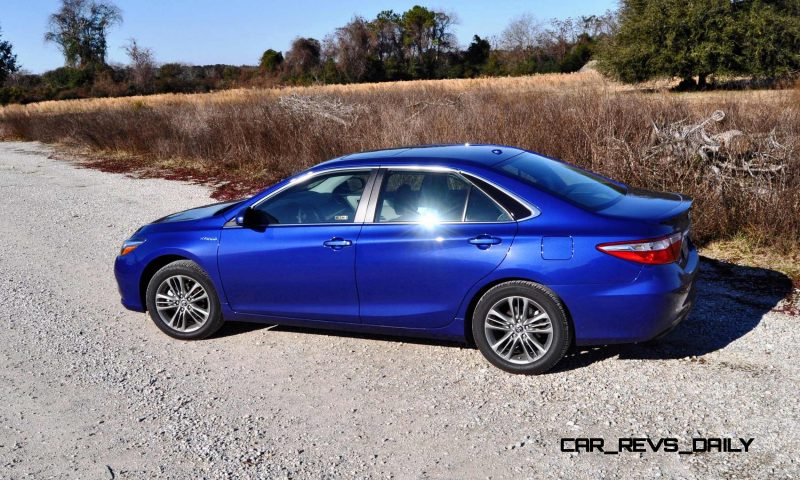 2015 Toyota Camry SE Hybrid Review 51