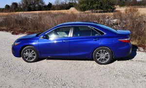 2015 Toyota Camry SE Hybrid Review 54