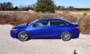 2015 Toyota Camry SE Hybrid Review 56