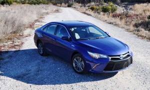 2015 Toyota Camry SE Hybrid Review 59